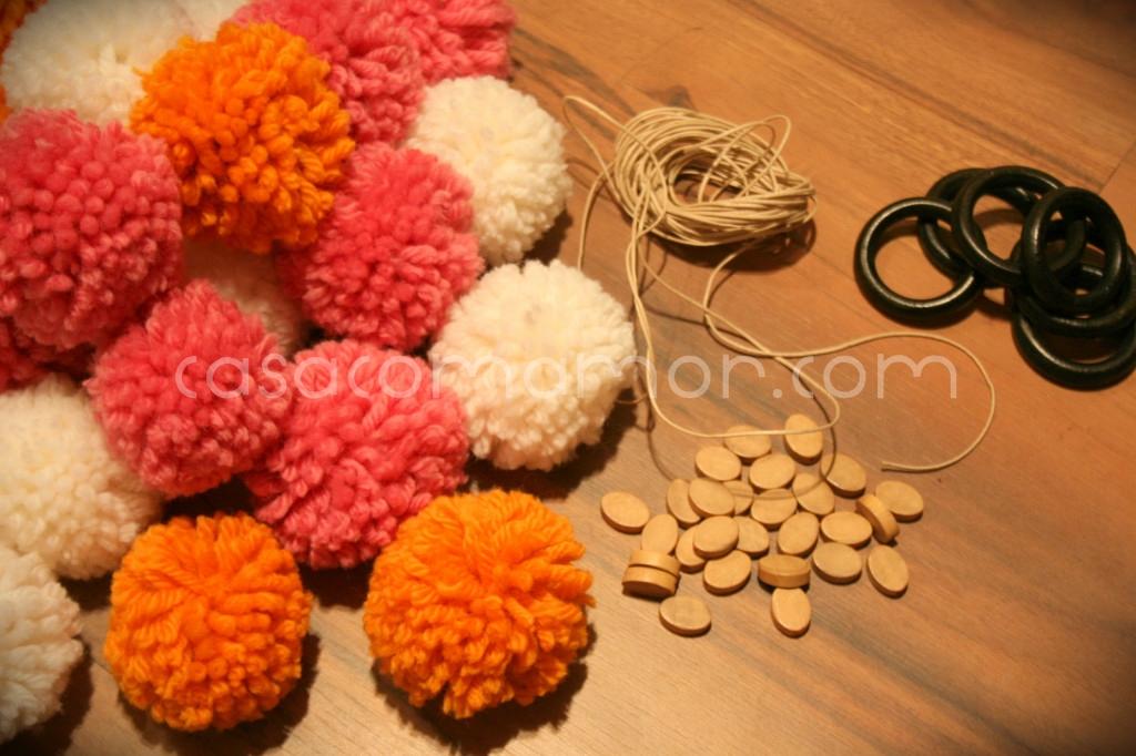 pompons de lã – o destino  Casa com Amor