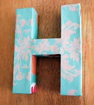 3D-cardboard-letter